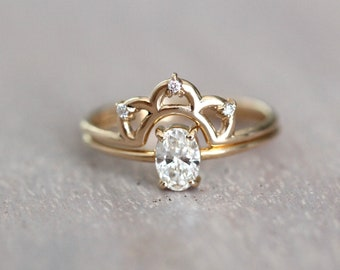 14K Gold Oval Diamond Ring Set, Oval Solitaire, Sold Gold Ring, Engagement Set, Minimal Engagement Ring, Crown Ring Set, Low Profile