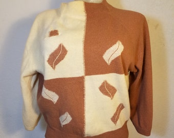 FREE  SHIPPING   1950 Woman Wool Pullover Sweater