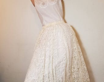 FREE  SHIPPING  Vintage White Lace skirt