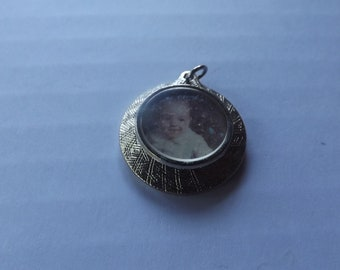 Vintage Picture Frame Pendant Photo Pendant Picture Necklace for Women