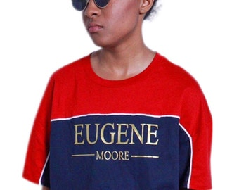 73e68d229 Oversize striped crop with signature Eugene Moore print