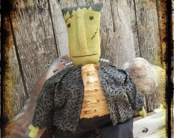 Primitive Frankenstein Doll, Halloween Folk Art, Shelf Sitter, Halloween Decoration