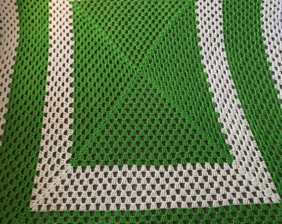 Hand Knit Green and White Afghan ~ Spring Knit Blanket~ Hand Knit Throw ~ Think Spring ~ Cottage Chic Blanket ~ Porch Blanket