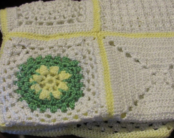 Vintage Afghan, Knit Blanket, Yellow and Green Blanket, White Blanket, Vintage Nursery, Summer Blanket, Baby Blanket