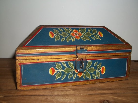 Wooden Jewelry Box, Chippy Painted Box, Holiday Gift, Knickknack Box, Folk Art Box