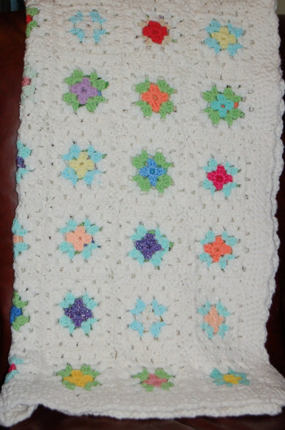 Hand Crocheted White Granny Square Afghan, Vintage Knit Blanket, Cozy Cabin, Lap Blanket, Perfect for Fall, Great Gift Idea