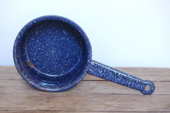 Vintage Graniteware Blue Sauce Pot, Blue Enamelware Pot, Blue Speckled Pot, Vintage Cooking Pot, Retro Kitchen