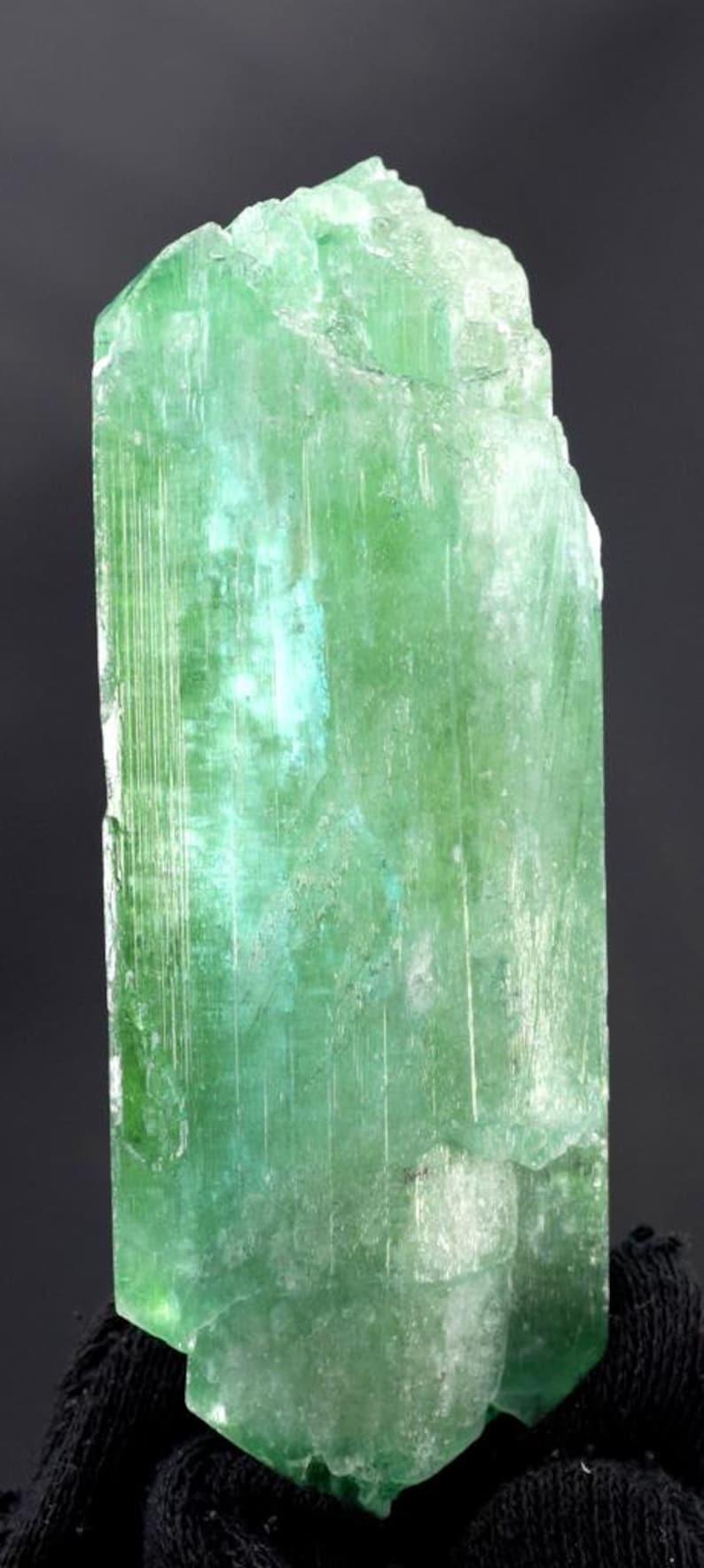 Kunzite Hiddenite Crystal V Shape Terminated Lush Green Color from Afghanistan 140 Gram 96*34*20 mm