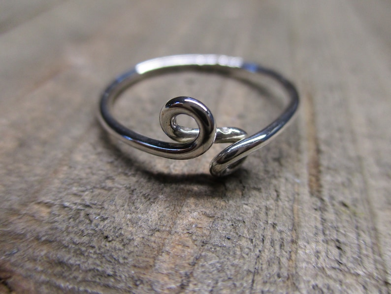 Silver Loop Loop Size 7 Ring Great Gift To Have #4151