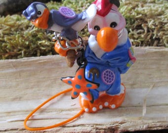 Vulture recycled object to hang jewelry, bag charm, grigri, toy plastic upcycled