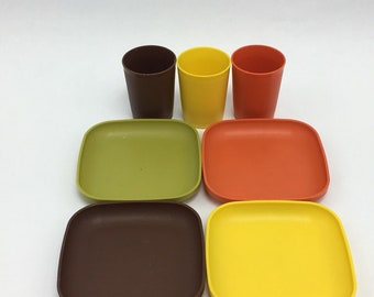 Vintage Tupperware Autumn Harvest Toys Square Kids Play Mini Plates Snack 1502 and Cups 1503