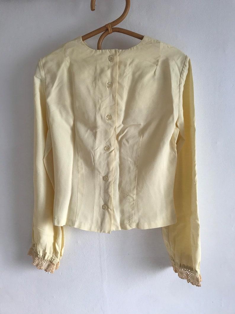 1960\u2019s, kinfolk Vintage 1970\u2019s does Victorian blouse folk blouse cottage core top button up the back crochet lace trim medium small