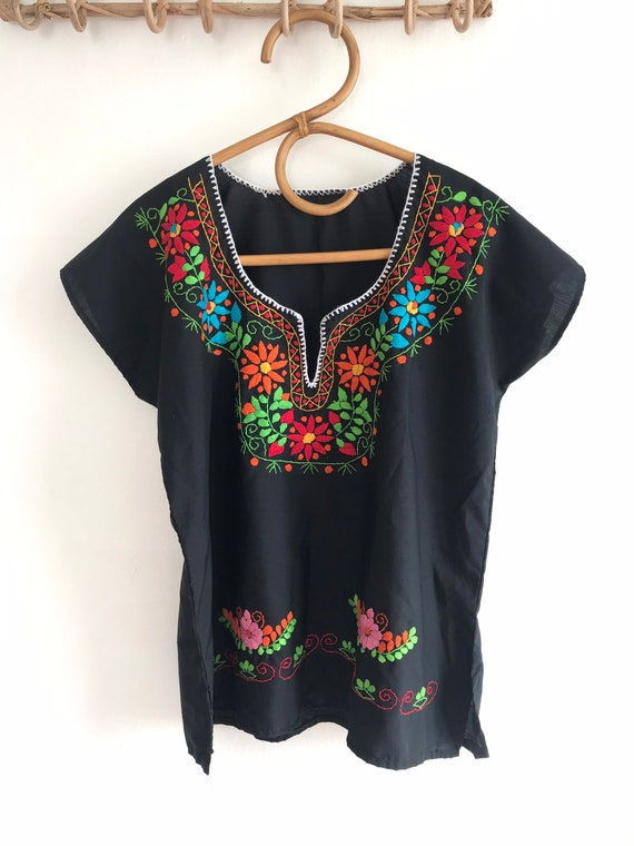 Vintage Oaxacan blouse, embroidered blouse, Mexica