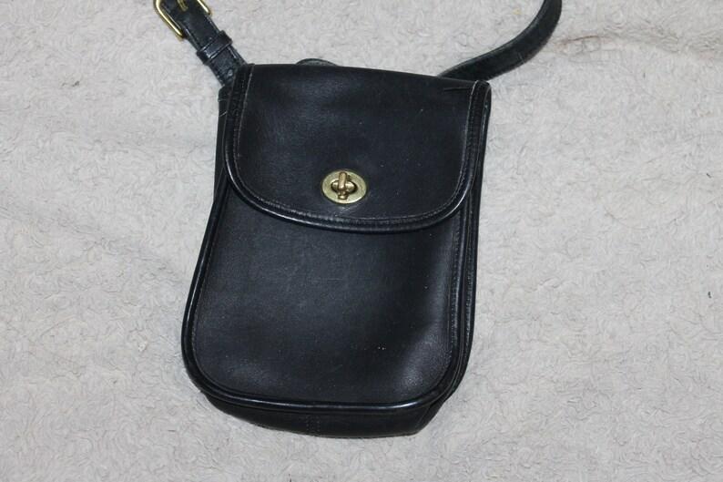 d6d7cb4686 Vintage Coach Crossbody Purse Bag Dark Blue Brass Fittings