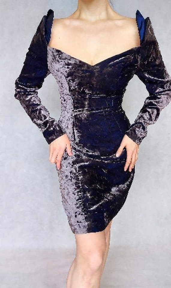 Vintage 1990/'s Purple Velvet Sweetheart Neckline Long Sleeve Cocktail Dress with Shoulder Pads size 6