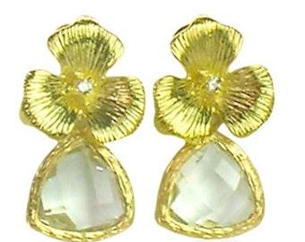 Gold wedding flower earrings, Crystal earrings, April birthstone earrings, Bridal flower earrings, Bridesmaid earrings, Wedding jewellery