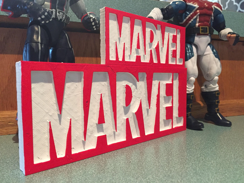 Spiderman Avengers /& More GOTG Comics Thor Marvel Shelf Display