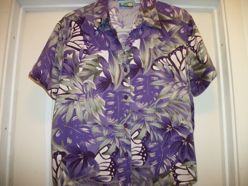 TROPICAL BUTTERFLY DELIGHTS Pretty Purple Green White Rayon Blouse M
