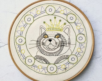 Your Majesty, Cat embroidery pattern, cat embroidery designs, cat sewing pattern pdf, cat sewing pattern download, fat cat, cat picture