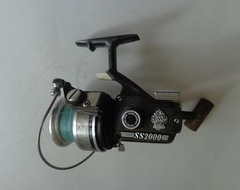 9fe85ed8f70 Vintage DAIWA SS2000 Fishing Reel, Fishing Reel DAIWA, Daiwa Fishing Reel,  Vintage Fishing, Fishing Gear, Fishing Fishing Reel, Old Fishing