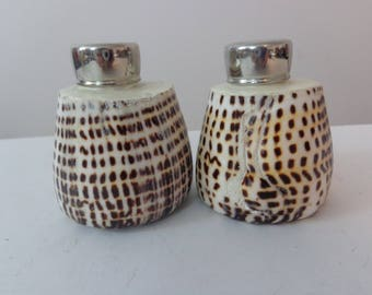 Vintage Shell Salt and Pepper Shakers, Earth Tone Salt and Pepper Shakers, Unique Shell Salt and Pepper Shaker, Salt and Pepper Shell Set