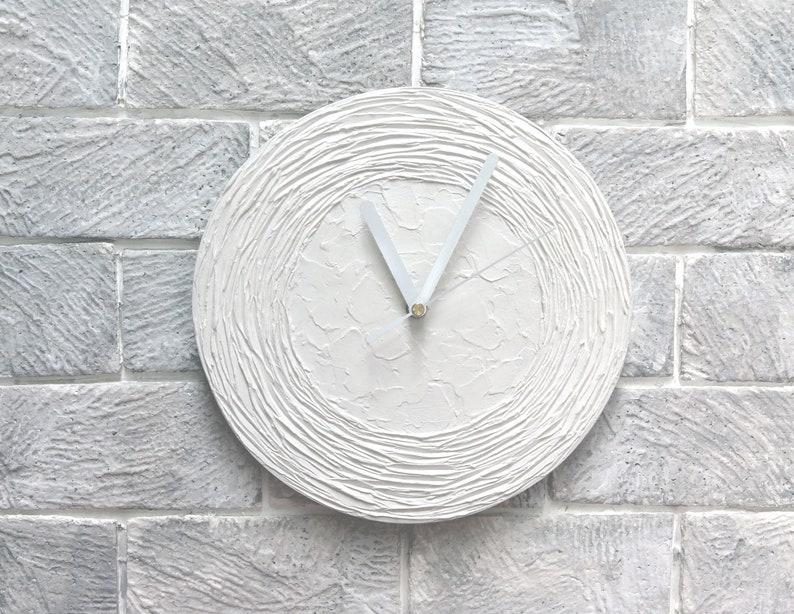Blanc du foyer, blanc moderne horloge, horloge de mur blanc, horloge en bois, décoration murale blanc