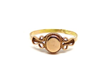Gold signet ring ~ 14k gold signet ~ 585 yellow gold ring ~ Vintage signet ~ Vintage jewelry ~ Oval signet ~ Solid gold ~ Women signet