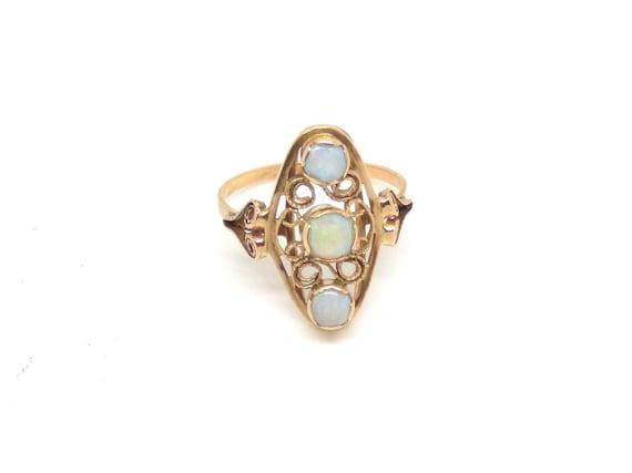 14k gold opal ring ~ Vintage opal ring ~ Big opal