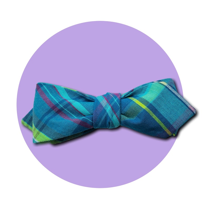 Kentucky Derby Men's Self-Tie Pointed Bow Tie  Vibrant image 0
