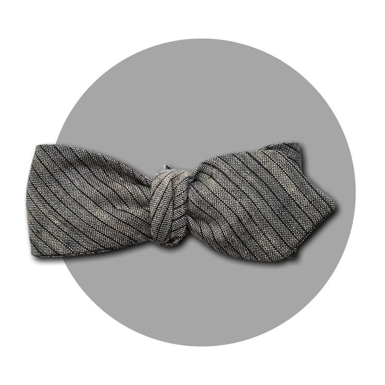 Rags to Riches Men's Self-Tie Pointed Bow Tie  Woven Grey image 0