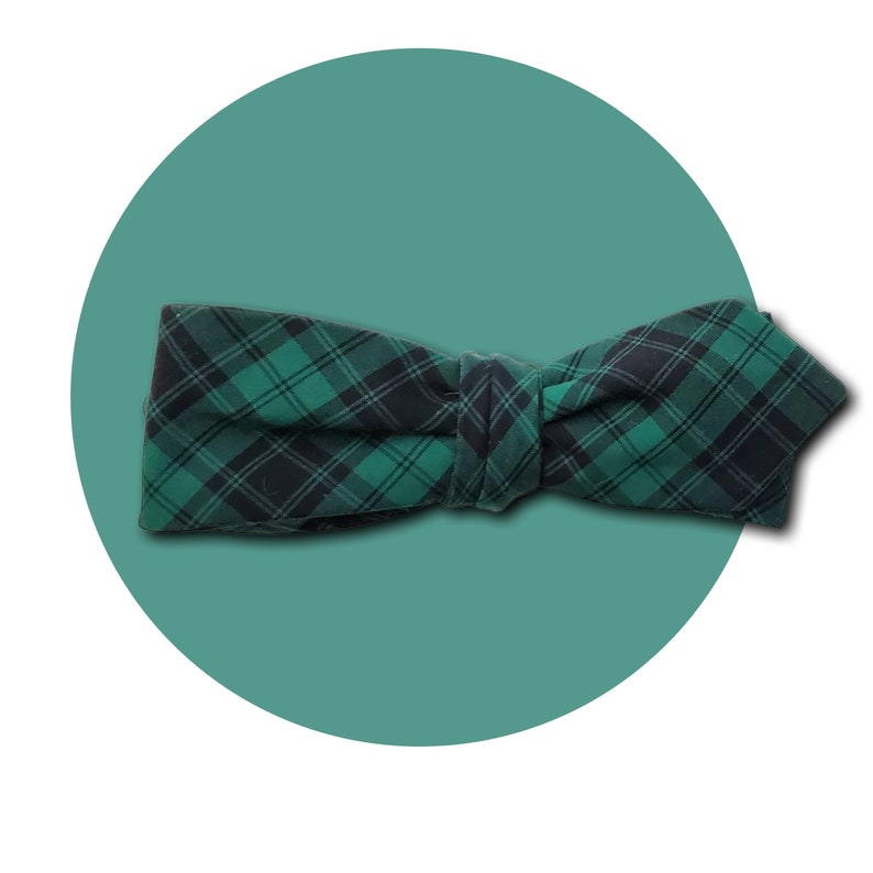 Black Watch Men's Self-Tie Pointed Bow Tie  Emerald Green image 0