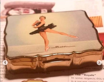 "Vintage Stratton Musical 'Empress' Compact Nadia Nerina 'Swan Lake' Black Swan Ballet Ballerina. Musical Plays ""The Blue Danube""."