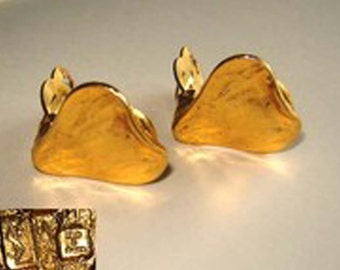 Vintage  Yves Saint Laurent - YSL - Gold nugget heart shaped clip-on earrings.