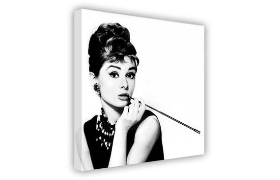 Ikone Audrey Hepburn Zigarette Foto Auf Leinwand Wall Art Etsy