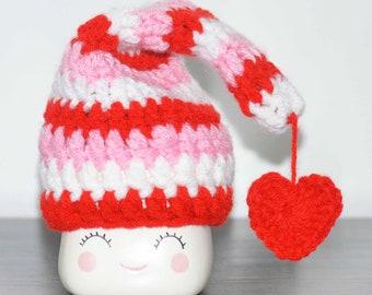 Marshmallow mug hat valentines day, valentines day mug hats, valentines day tier tray decor, rae dunn mug hats