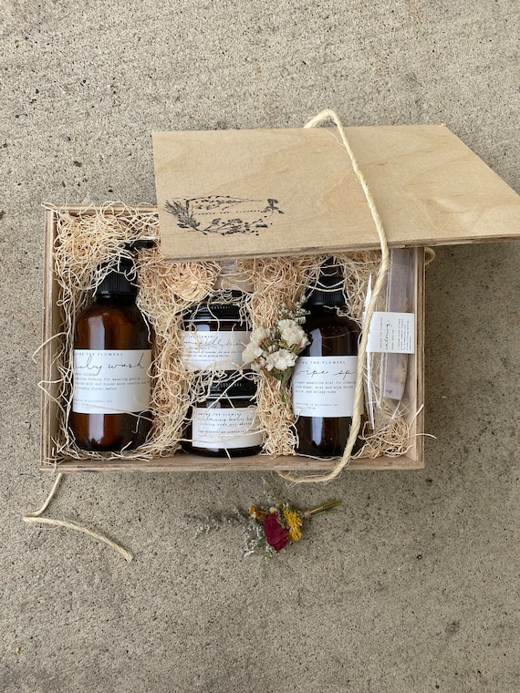New Mom + Babe Botanical Gift Set