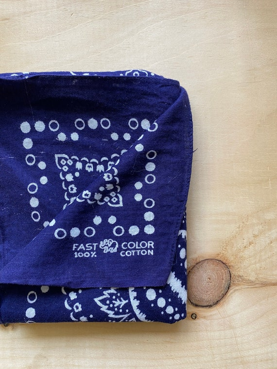 Vintage 1960s Trunk Up Elephant 100% cotton fast color Bandanna||Indigo Blue