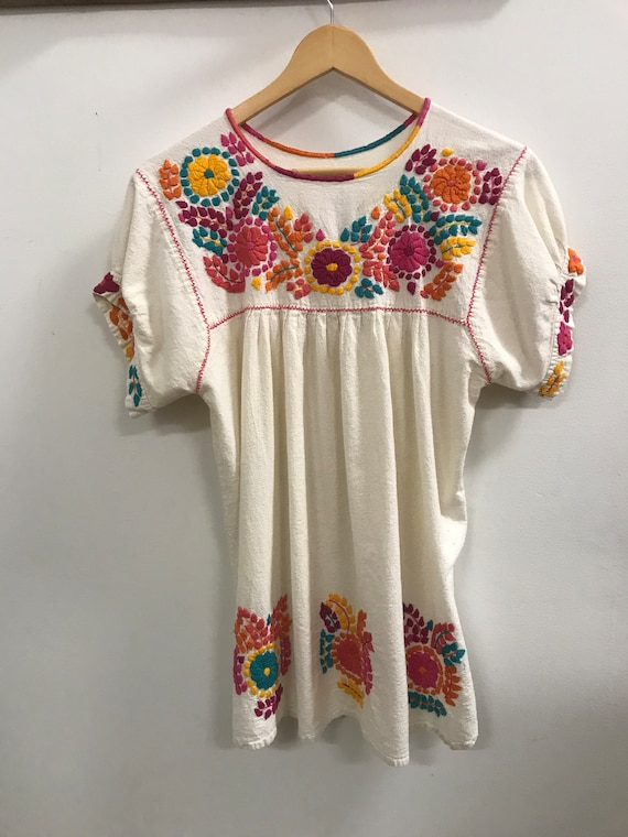 Vintage Embroidered Mexican Blouse/Tunic