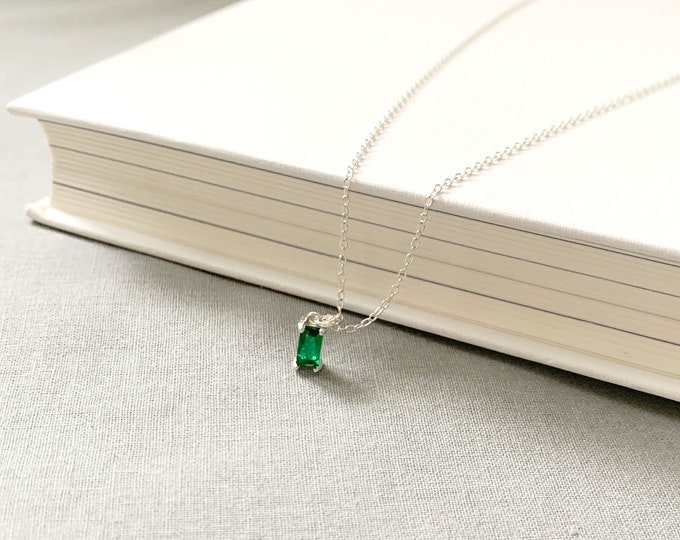 925 Silver Tiny Green Rectangle Shape Necklace /May Birthstone  Emerald Pendant necklace