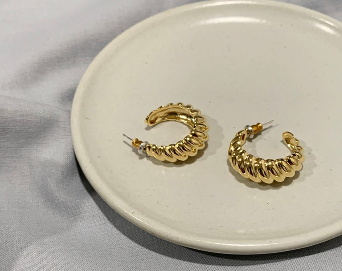 18K Gold Plated Croissant Hoop Earrings / Twisted Hoop Earrings Small Hoop Earrings