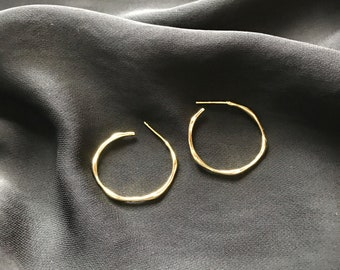Gold filled Wavy Hoop Earrings / Squiggle Hoop /Minimalist, Gift for her
