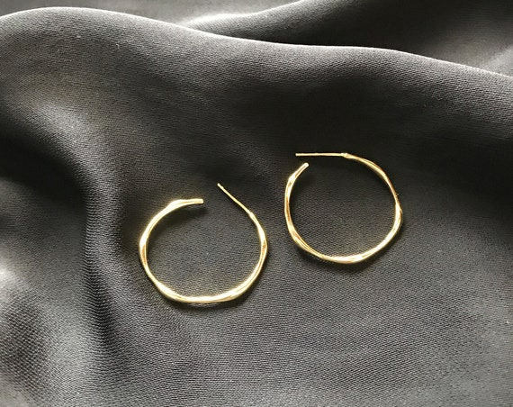 Gold filled Wavy Hoop Earrings