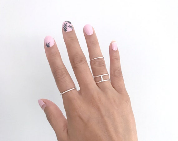 Silver Stacking Crossed Finger Ring