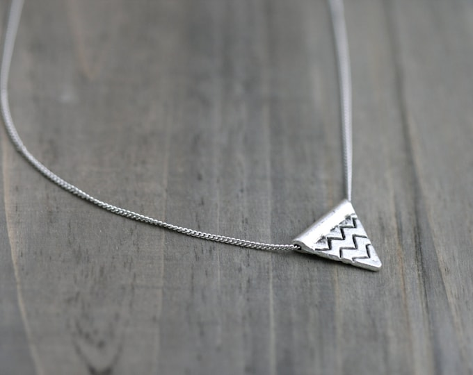 Simple Triangle Necklace with Chevron