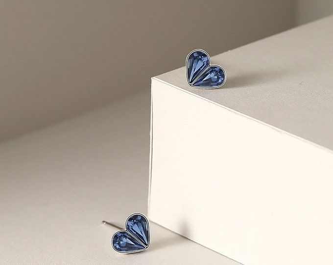 Silver Sapphire Post Earring / Blue Color Earrings / Heart Post Earring /Blue Sapphire CZ September Month Stone
