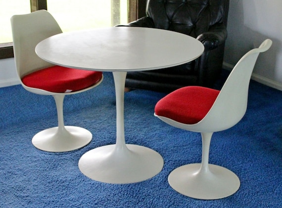 Magnificent Mid Century Modern Saarinen For Knoll White Tulip Dinette Set Table 2 Chairs 60S Uwap Interior Chair Design Uwaporg