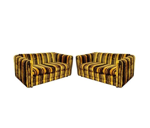 Stupendous Mid Century Modern Rowe Pair Of Tufted Sofas Loveseats Baughman Era 1970S Inzonedesignstudio Interior Chair Design Inzonedesignstudiocom