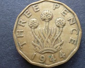 Great BritainThreepence coin 1944 in good used (circulated) condition, Nickel Brass, ideal gift or for jewellery or craftmaking projects.
