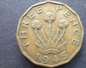 Great BritainThreepence coin 1945 in good used (circulated) condition, Nickel Brass, ideal gift or for jewellery or craftmaking projects.