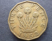 Great BritainThreepence coin 1952 in good used (circulated) condition, Nickel Brass, ideal gift or for jewellery or craftmaking projects.